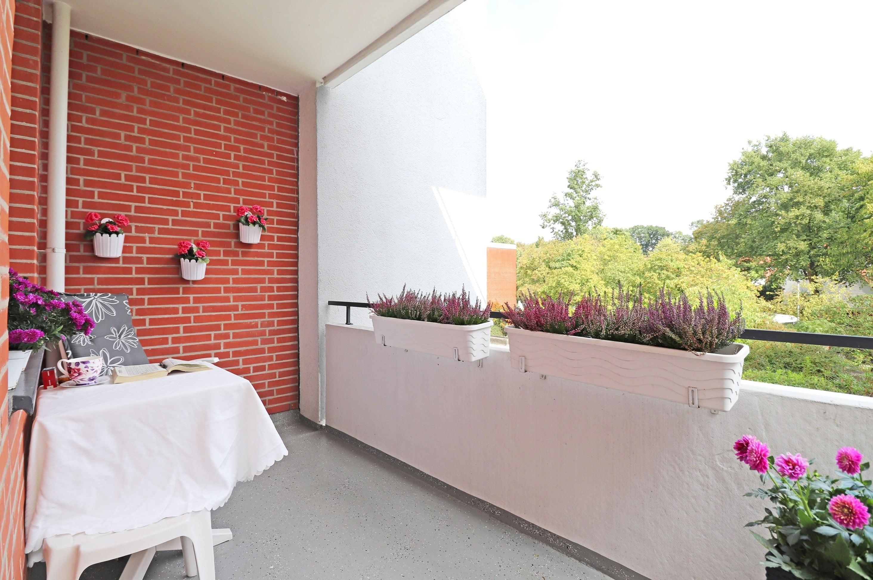 Gepflegte 2-Zimmer-Wohnung mit Garage und Aufzug zwischen